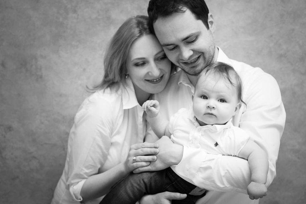 schwarzweiß, Familienbild, Kind, Eltern, Fotostudio